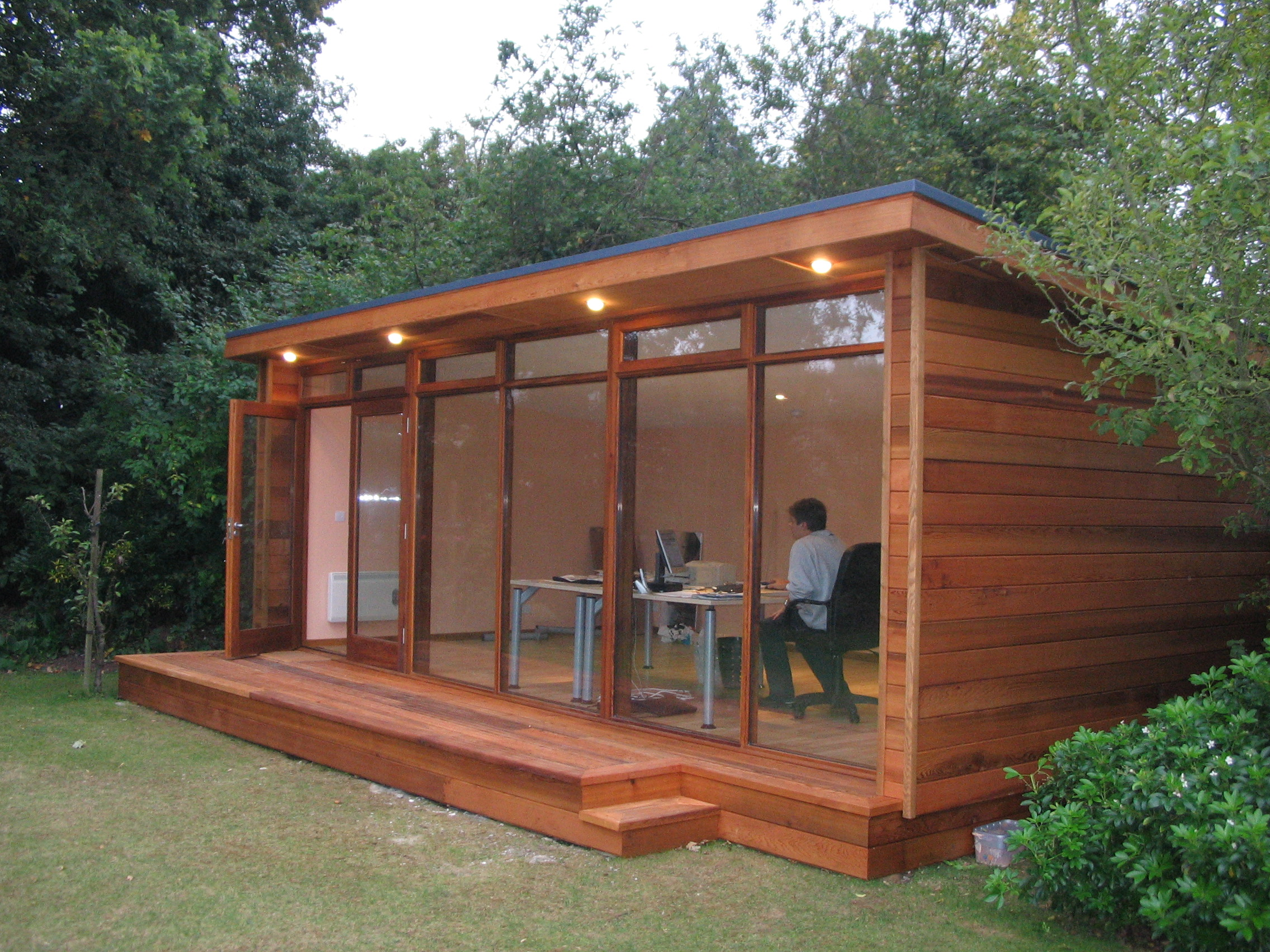Looking for a home office for Garden office ideas uk